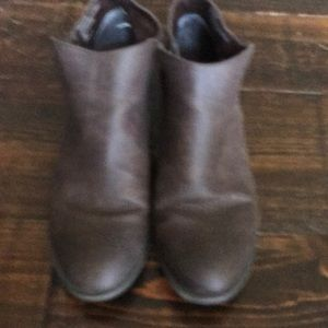 Brown booties in great condition